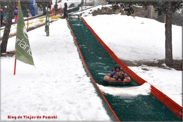 Es posible disfrutar del descenso por el tobogán de nieve en Naturlandia, Andorra