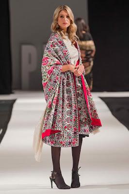 Komal-Nasir-Embroidered-Shawls-Pictures