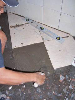 Memasang Keramik Lantai Sendiri
