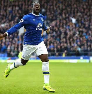 Chelsea Man U battle for Lukaku