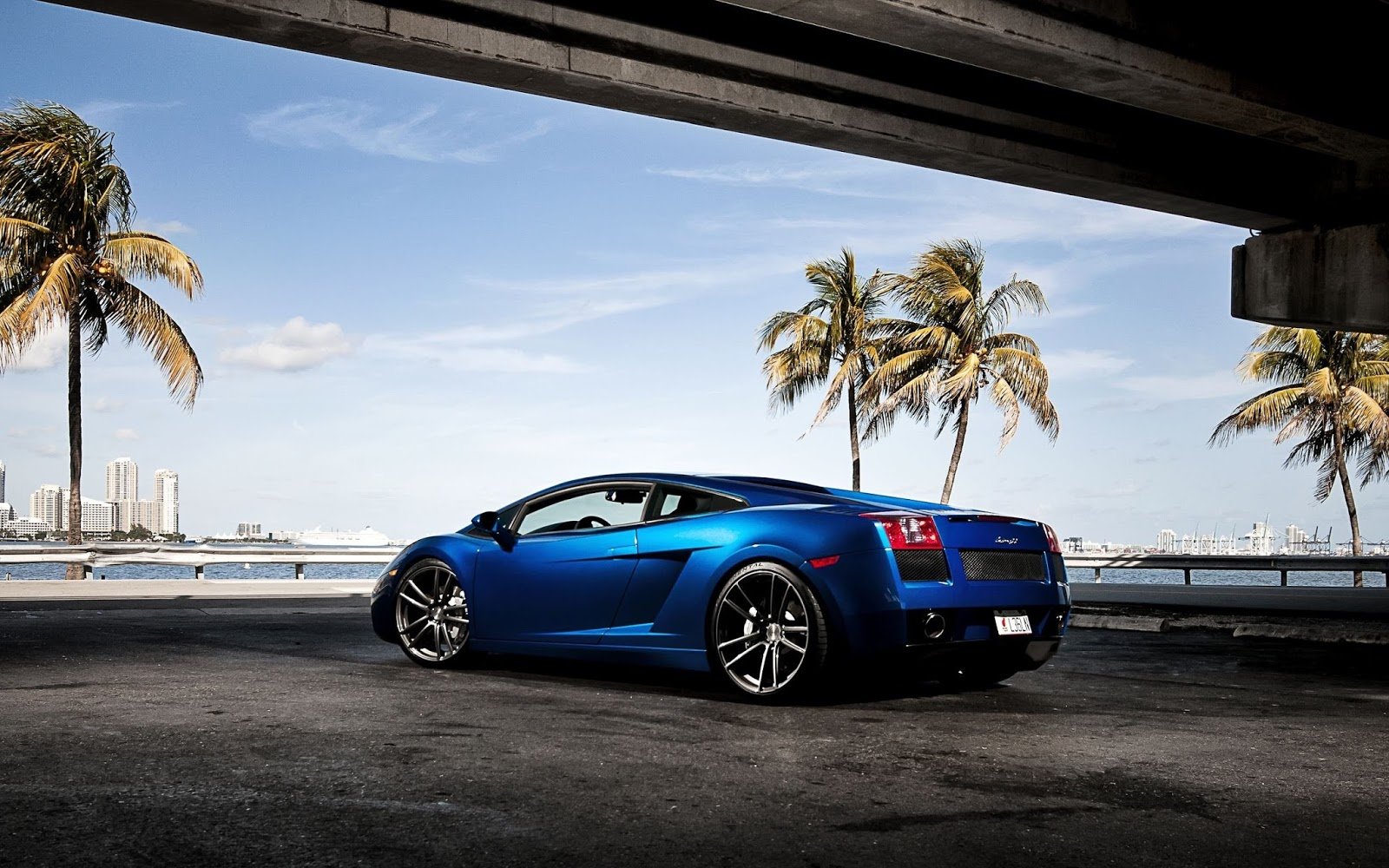 Blue Car Wallpapers