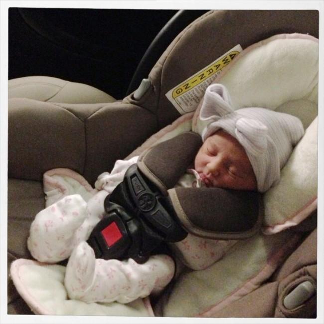Mamas y bebes tips para evitar que llore en la silla del auto for Coche con silla de auto