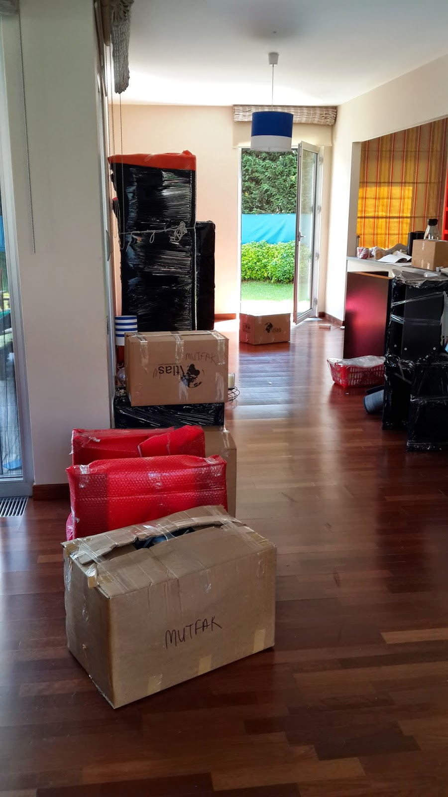 Eşyaların Büyük Çoğunluğu Paketlendi