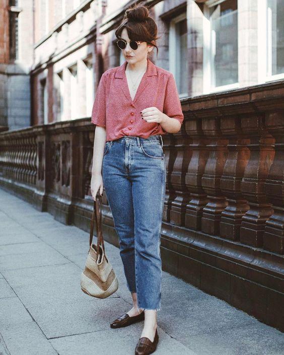 Jeans escuro e confortável