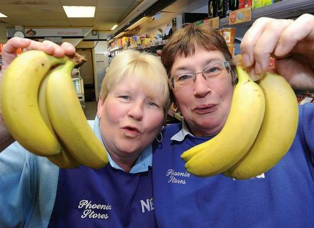 Δε φαντάζεστε τι βρήκε μέσα στις μπανάνες! [photos]