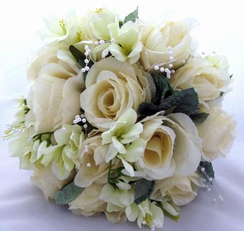 Weddingspies: Winter Wedding Flowers Pictures