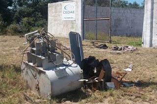http://vnoticia.com.br/noticia/1956-elementos-invadem-estacao-de-captacao-de-agua-da-cedae-em-sfi-e-furtam-transformador