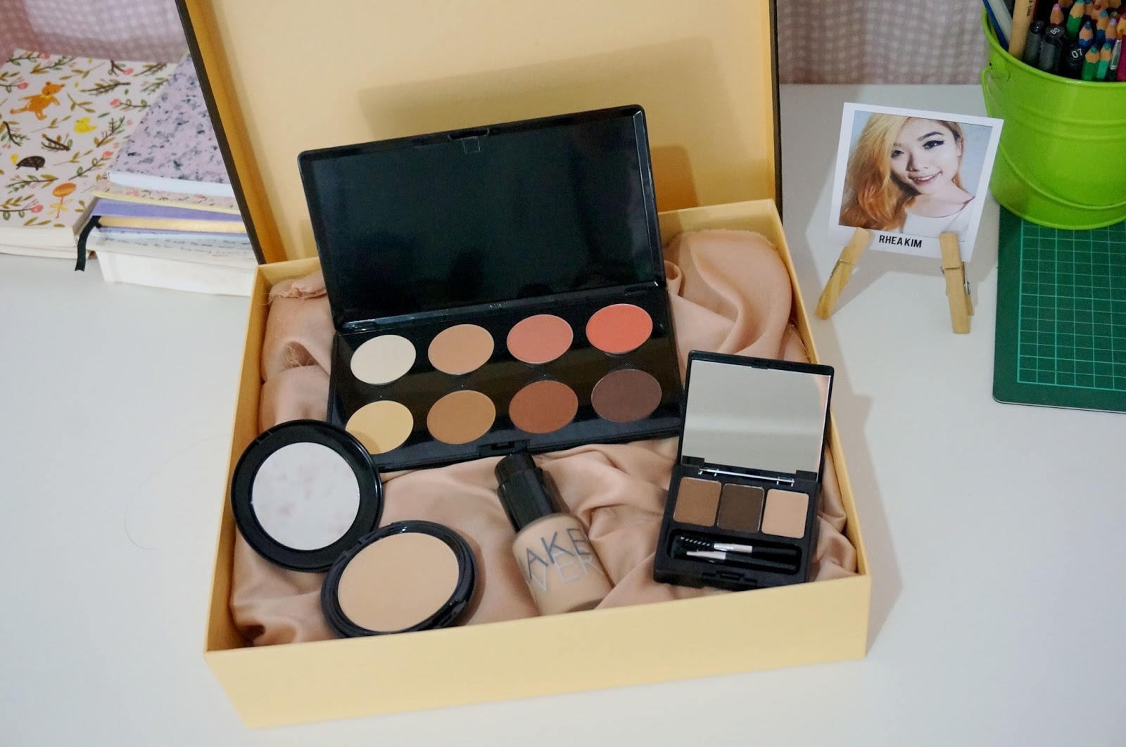 Review Make Over Complexion Set Base Msrheas Liquid Foundation Allright One Of My Favorite Brand They Gave Me A Package Consists Contour And Blush Palette