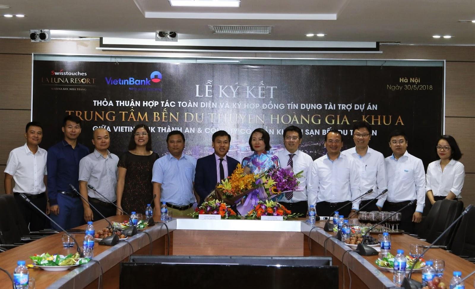 Lễ ký kết tài trợ vốn giữa Vietinbank và Marina Hotel