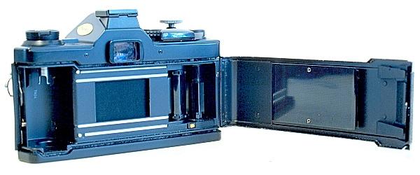 Olympus OM-2S, FIlm box