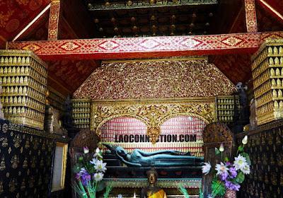 Luangprabang temple, Buddha palaneepan
