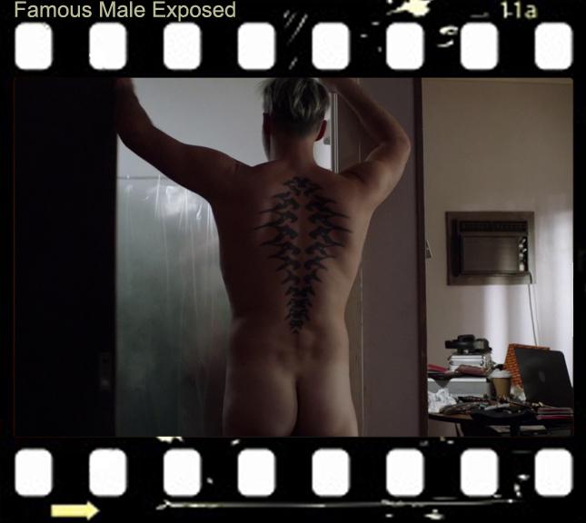 julian-mcmahon-getting-naked