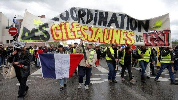 Chalecos amarillos vuelven a las calles tras anuncios de Macron