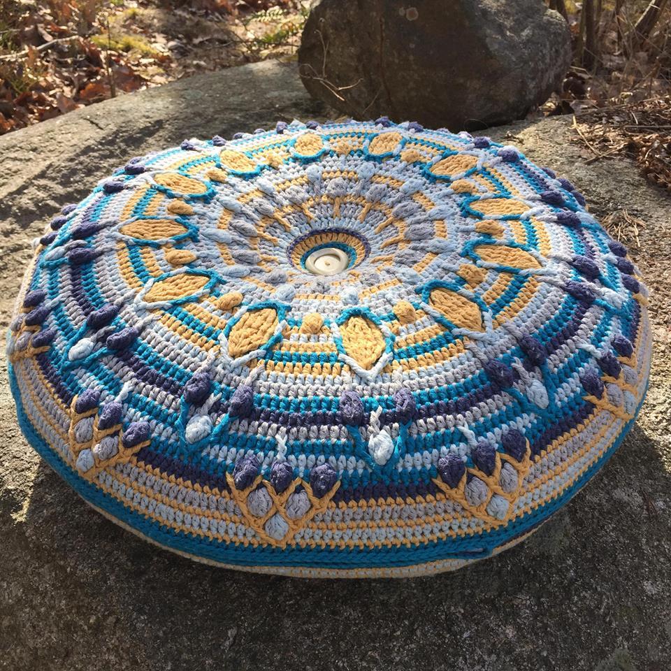 Peacock Tail Mandala_free overlay crochet pattern by www.lillabjorncrochet.com
