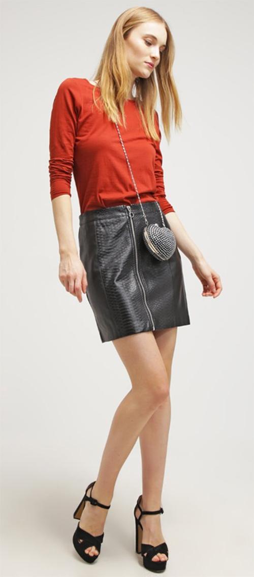 Jupe courte noire simili cuir New Look