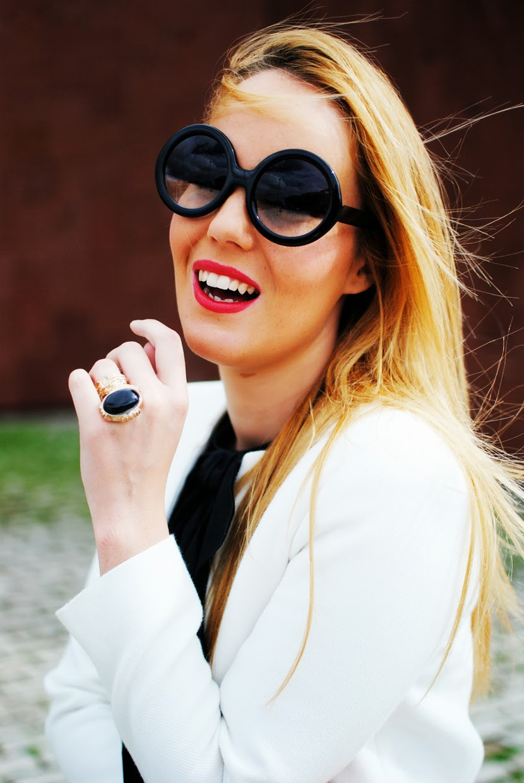 nery hdez, zerouv sunglasses, anillo vjstyle