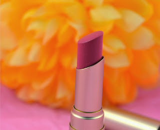 Too Faced - Coral Fire - Lipstick - Peach - coral - review - swatch