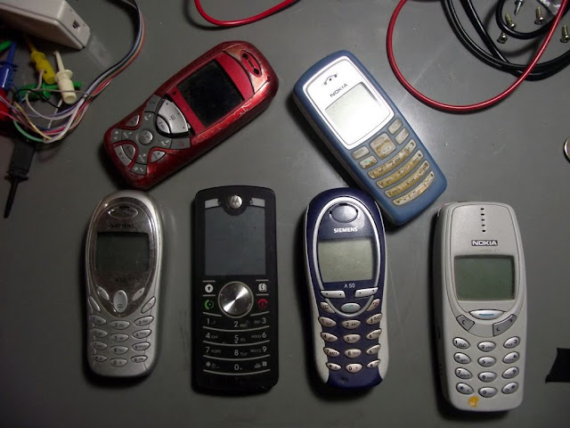 Telefones Celulares com Defeito