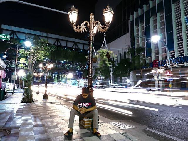 7 Lokasi Dengan Spot Foto Cantik Malam Hari di Kota Surabaya