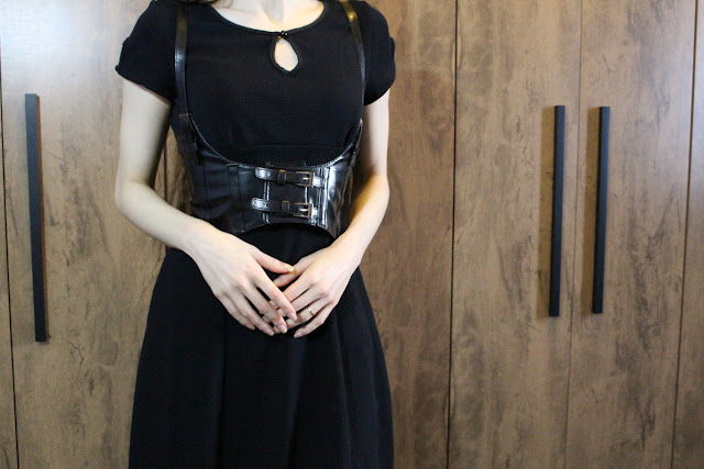 everyday grunge gothic dark outfit dress vintage fashion blogger