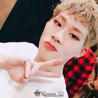 Foto Selfie Jooheon Monsta X Terbaru