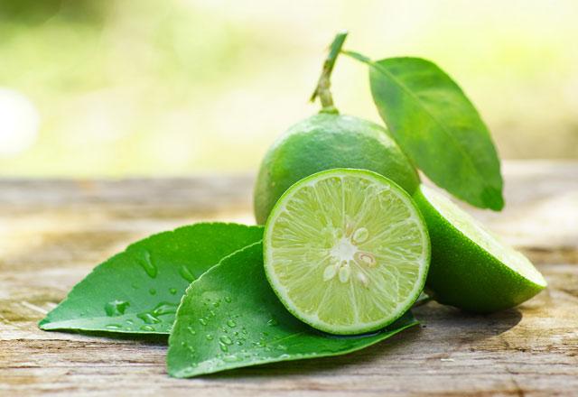 Bal ve Limon Kaynatıp İçmek Öksürüğe İyi Geliyor!