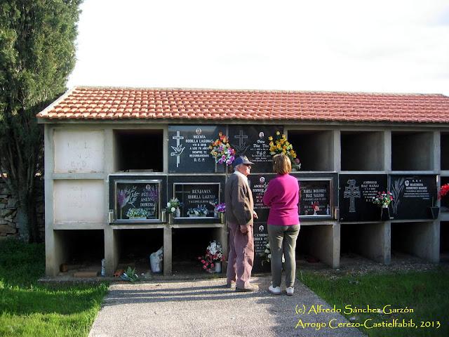 arroyo-cerezo-cementerio-nichos