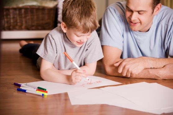 كيف أساعد طفلي على حل الواجب المنزلي؟