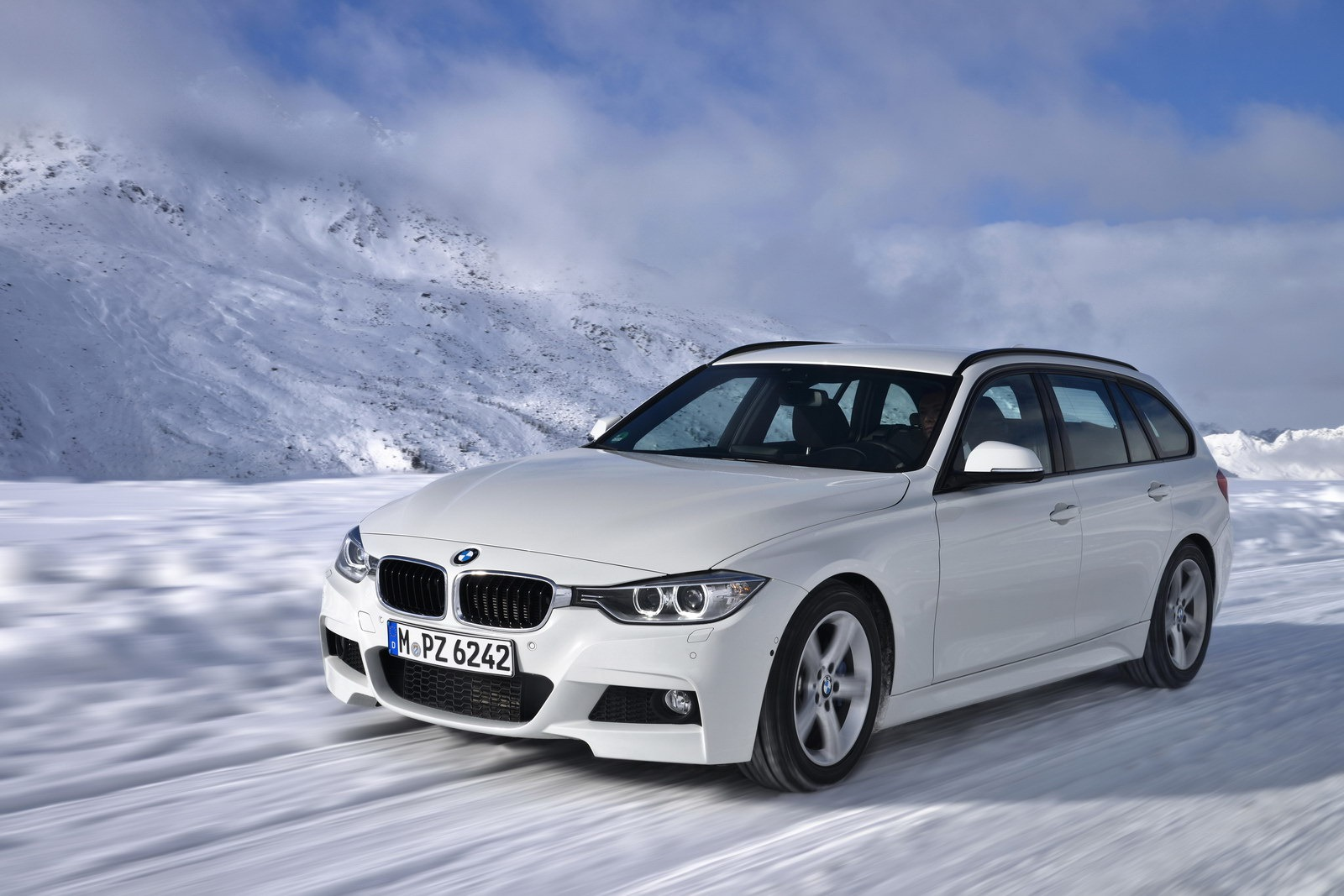 Bmw 3 Series Touring Xdrive Bmw Releases New Engines For 3 Series Touring And 10 New