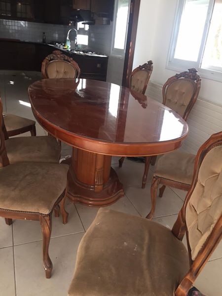 Stunning Buffet With Mirror Large Pedestal Table 8 Beautiful Chairs Could Use Reupholstering Selling For The Bargain Price Of 2500 Shekel