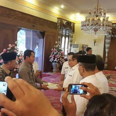 Wabup Serahkan Berkas Pemekaran Kerinci Hilir ke Pj Gubernur Jambi