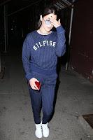 気を抜かない!ベラ・ハディッドのお散歩ファッションをウォッチング