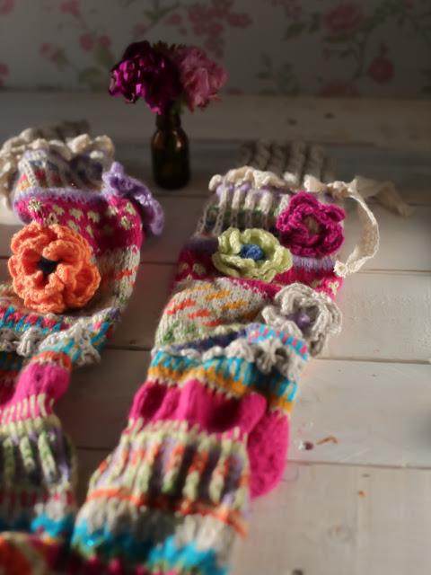 Anelmaiset, Anelmaiset socks