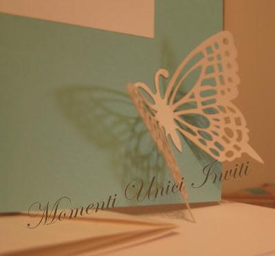 tifbut4 Partecipazione card in cartoncino perlescente con farfalla intagliataColore Tiffany