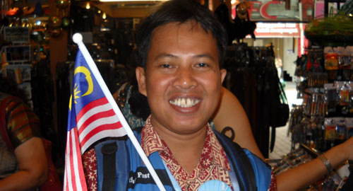 I was holding Malaysia flag during my visit to Kuala Lumpur last 16 to 17 of November 2009. Unforgettable moment I will not forget for the rest of my life. Photo courtesy Special