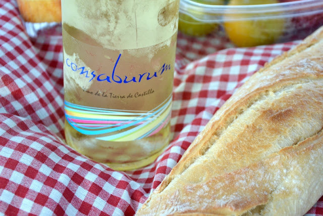 vino-blanco-picnic-madrid