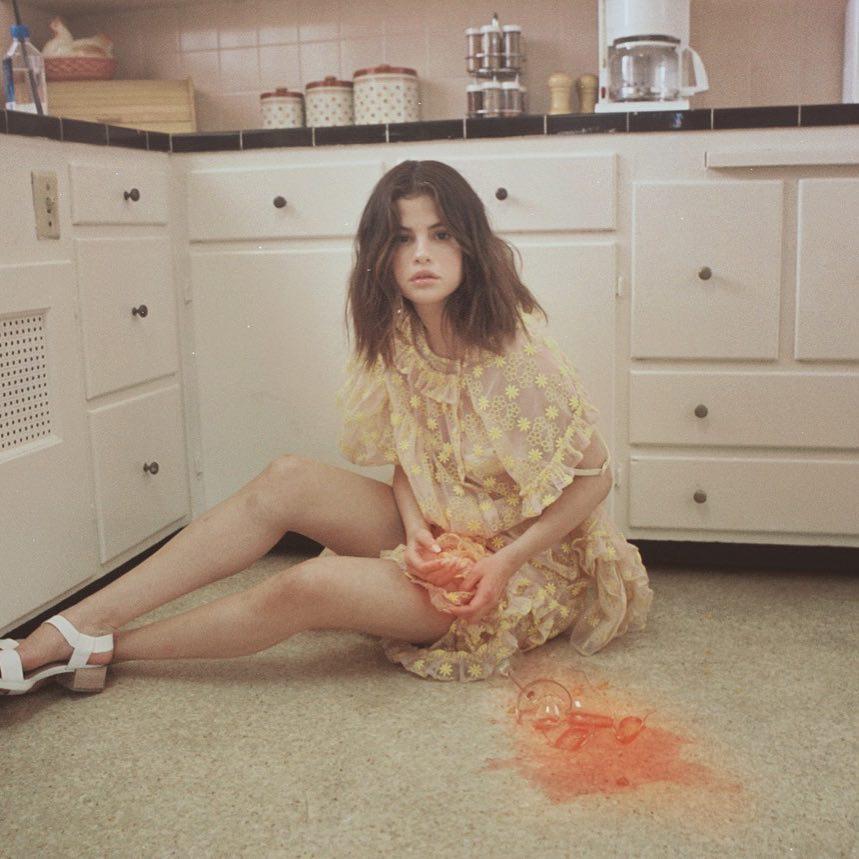 45+ Selena Gomez Photos Going VIRAL On INSTAGRAM