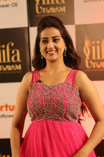 Anchor Manjusha New Stills (12).jpg