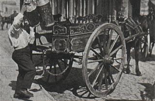 Lechero con su típico carrito (Mediados de siglo. XX)