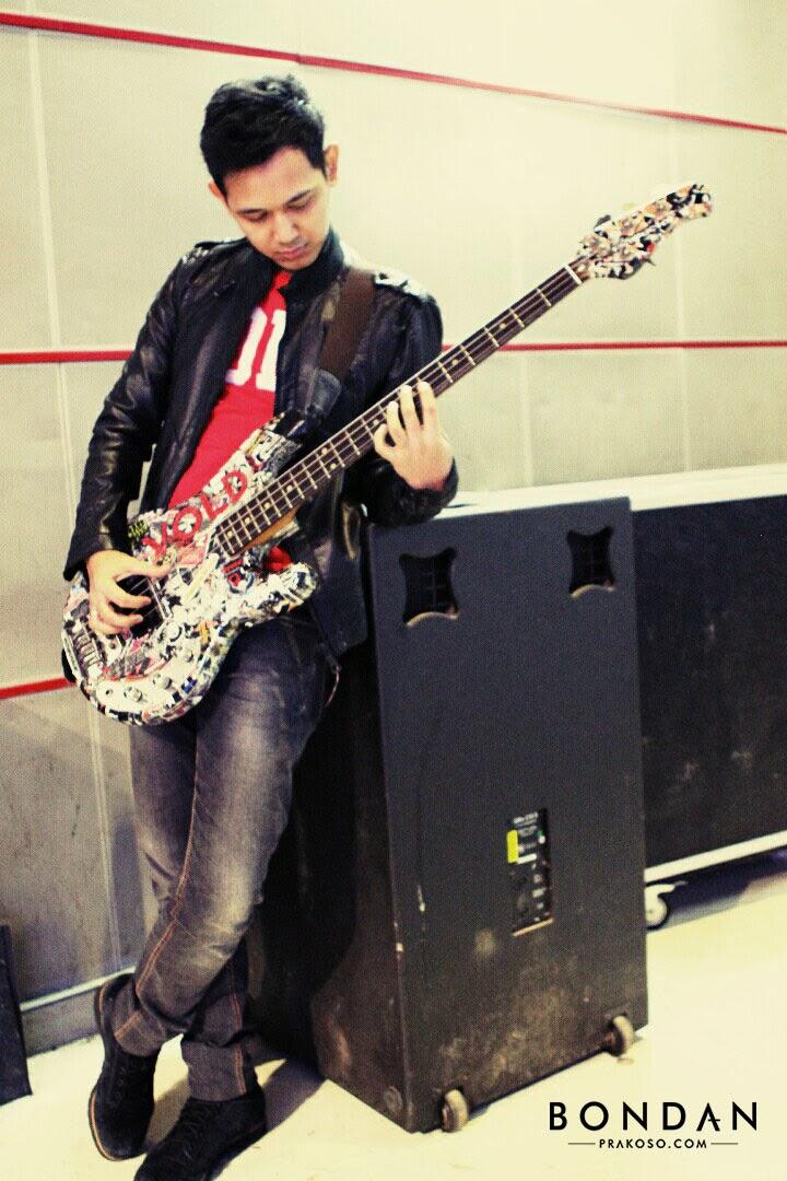 kunci gitar lagu zombie the cranberries cover by bondan prakoso ft kikan