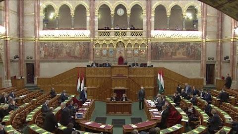 Ismét elfogadta a parlament a jogalkotási törvény módosítását