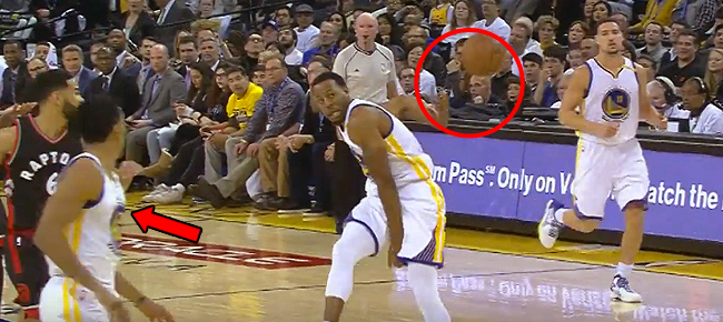 Andre Iguodala's CRAZY Alley Oop Pass To Shaun Livingston for the Slam That Didn't Count (VIDEO)