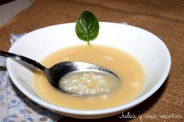 Sopa de huevo o sopa japonesa. Julia y sus recetas