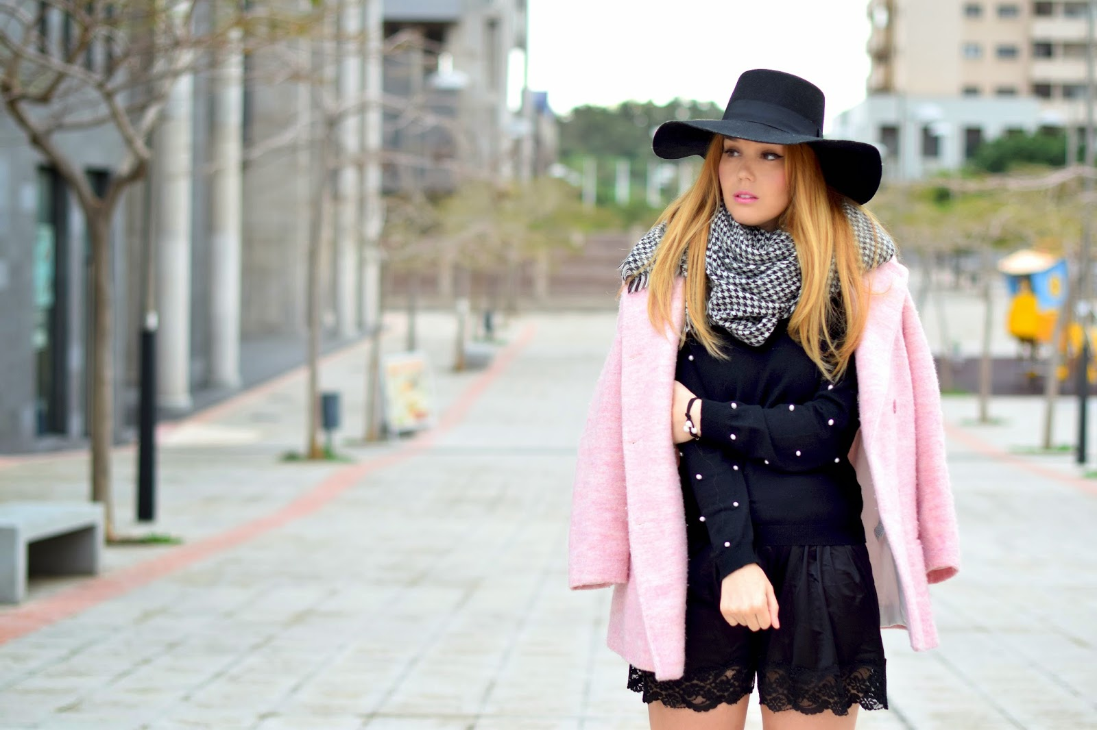 nery hdez, poppy lux, bisuteria la ola, candy coat, hat, pearls,