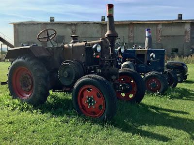 Alter Traktor auf Usedom