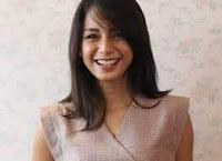 Kirana Larasati sebagai pemeran Tika