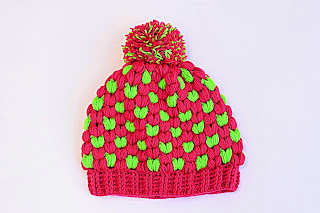 Imagen Gorro de navidad original a crochet fucsia y verde 1