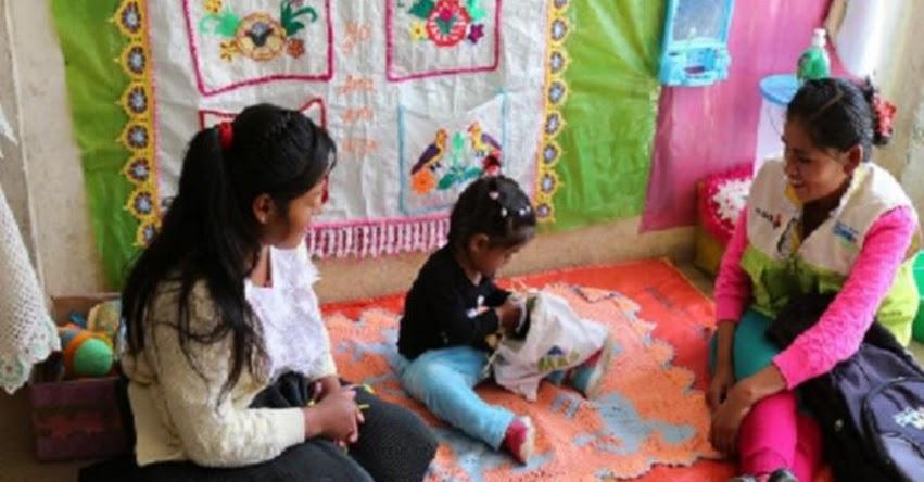 CUNA MÁS: Voluntarios de, programa social orientan a familias de zonas rurales sobre cuidado infantil - www.cunamas.gob.pe