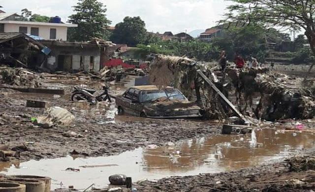 Saat Tertidur Pulas, Namun Keluarga Ini Selamat Dari Dahsyatnya Banjir Garut, Begini Ceritanya