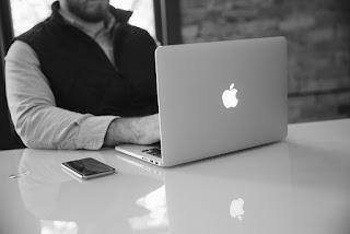 Kelebihan Macbook dibanding Laptop Biasa / Merek Lain